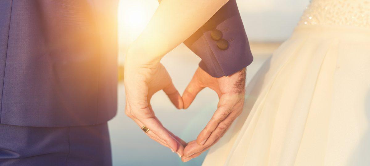 Kameralne wesele ma swój urok! Poznaj zalety małych wesel