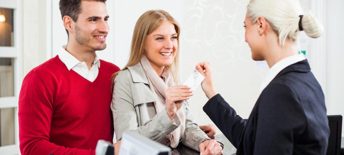 Nocleg dla gości weselnych — jak to zorganizować?
