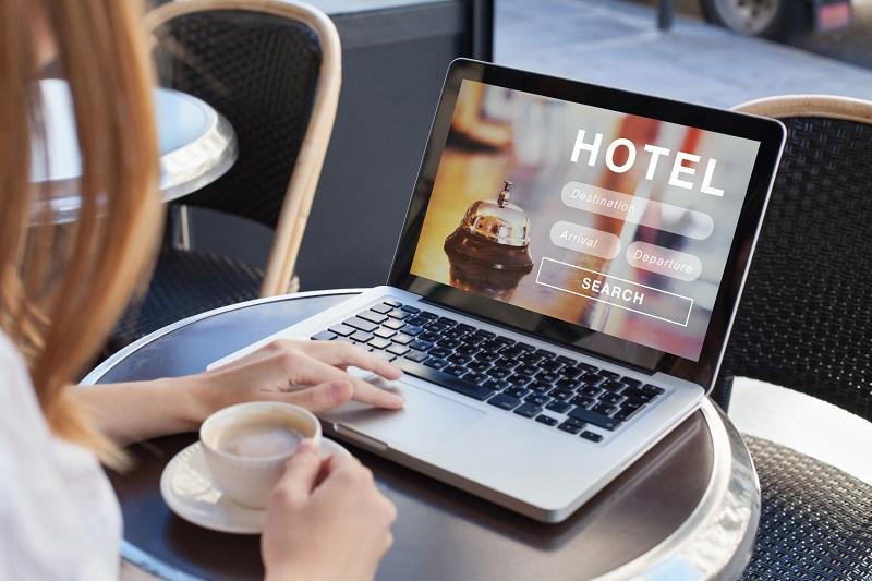 Rezerwacja miejsc hotelowych on-line. Zalety rozwiązania