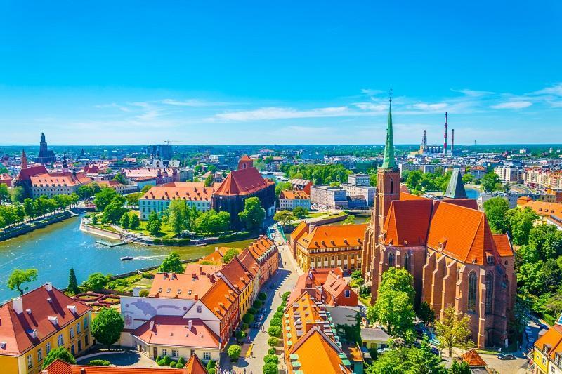 Jak znaleźć komfortowy hotel we Wrocławiu w atrakcyjnej cenie?